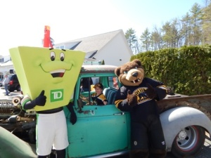 Liam with TD mascot and Blades-rs